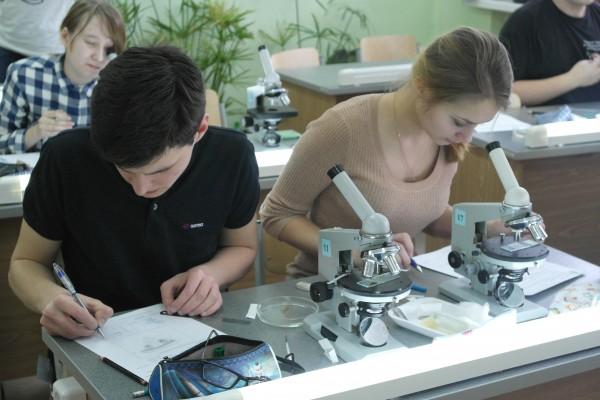 """Начала работу VI Школа """"Современная биология"""""""